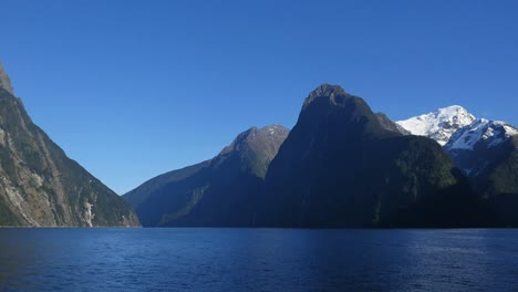 New-Zealand-Milford-Sound-Dramatic-Vista-Zoom-And-Pan