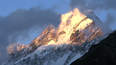 New-Zealand-Mount-Cook-Lovely-Color-Zoom