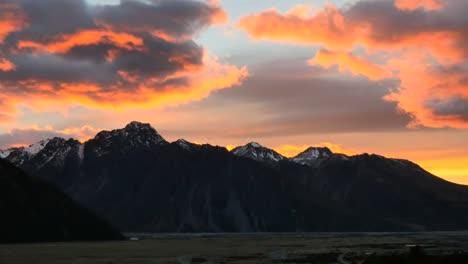New-Zealand-Mt-Cook-National-Park-Dawn-Color-Pan