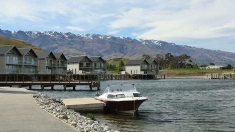 New-Zealand-Pisa-Moorings-Lake-Dunstan-