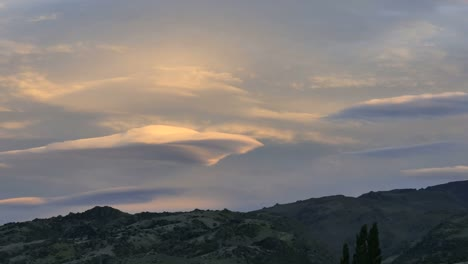 New-Zealand-Wave-Cloud-Time-Lapse