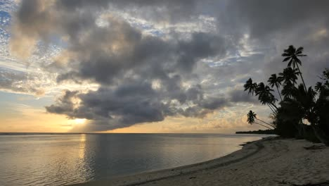 Rarotonga-Sunset-And-Clouds-With-Sun-Sinking-Lower