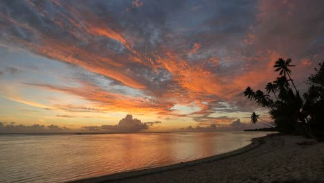 Rarotonga-Sunset-With-Brilliant-Colors-In-Sky