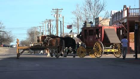 Arizona-Tombstone-Stagecoach-Turns