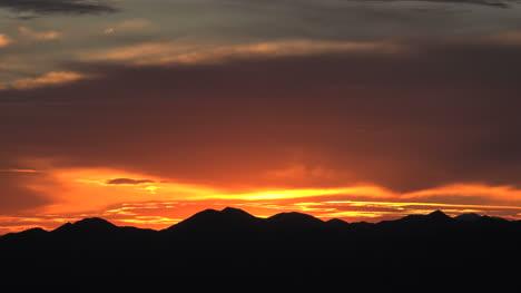 Arizona-Tucson-Mountain-Red-Sunset
