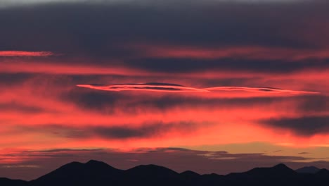Arizona-Red-Sky-After-Sunset-Zoom-Out