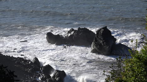 California-Backlit-Waves-Hit-Rocks-At-Patricks-Point