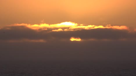 California-Sun-Between-Cloud-Layers-Time-Lapse