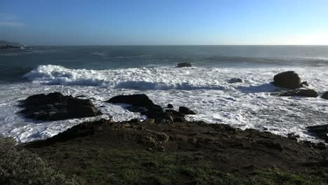California-Waves-Approaching-Shore-At-Salt-Point-Slow-Motion-4k