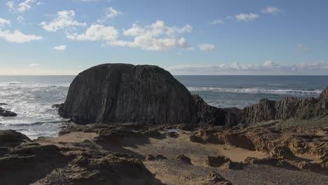 Oregon-Coast-With-Big-Rock-Sound