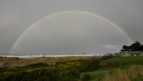 Oregon-Coast-Full-Rainbow-In-Rain