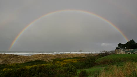 Oregon-Full-Rainbow-Bright-Over-Sea