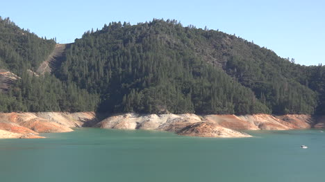 California-Shasta-Lake-With-Low-Water-Level-Pan