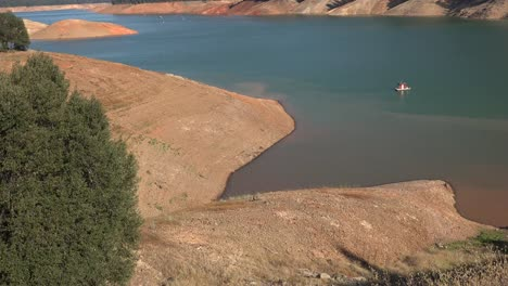 California-Shasta-Lake-Con-Muy-Bajo-Nivel-De-Agua
