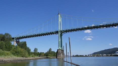 Oregon-Portland-Saint-Johns-Bridge-Side
