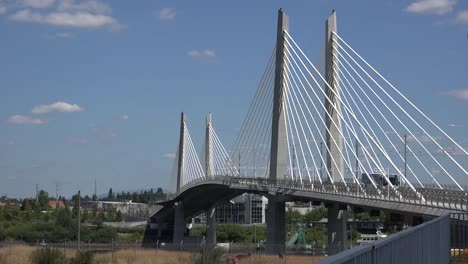 Oregon-Portland-Tilikum-Crossing-Bridge-View