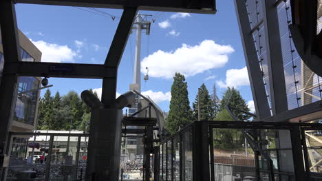Oregon-Portland-Cable-Car-Descends-Time-Lapse