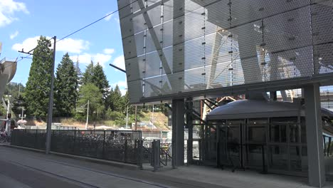 Oregon-Portland-Cable-Car-Starts-Out