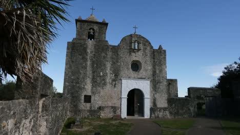 Texas-Goliad-Presidio-La-Bahia-Church-And-Palm-Fringe-Zoom-In