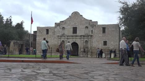Texas-San-Antonio-Alamo-With-Visitors