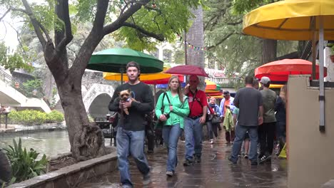 Texas-San-Antonio-River-Walk-Tourists-In-Rain