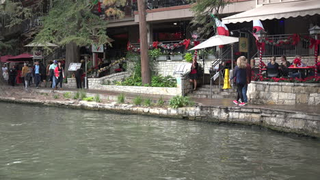 Texas-San-Antonio-River-Walk-With-People-Walking