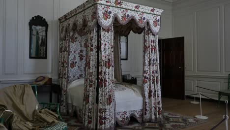 Virginia-Colonial-Williamsburg-Bedroom-With-Bed