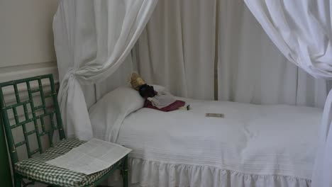 Virginia-Colonial-Williamsburg-Doll-On-Bed