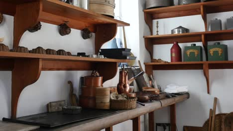 Virginia-Colonial-Williamsburg-Kitchen-With-Pots-Zoom