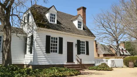 Virginia-Colonial-Williamsburg-White-Frame-House