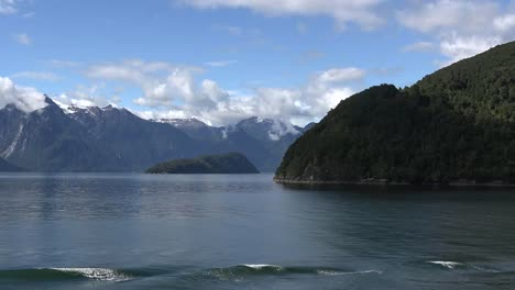 Chile-Aisen-Fjord-Zooms-On-Island