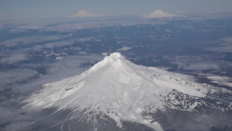 Oregon-Mount-Hood-From-Airplane