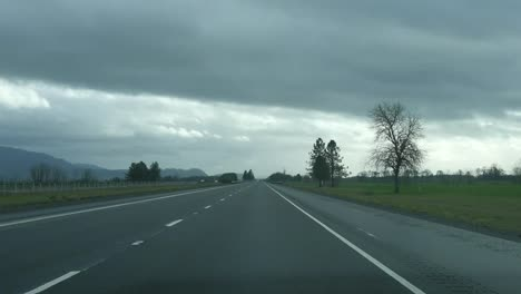 Oregon-Highway-In-Rainy-Weather