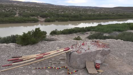 Texas-Big-Bend-Craft-Ventas-Por-Encima-De-Rio-Grande