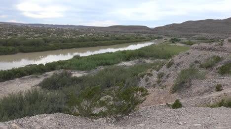 Texas-Big-Bend-Vegetation-Along-Rio-Grande