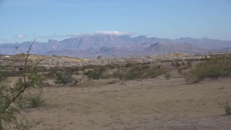 Texas-Chisos-Mountain-With-Little-Cloud-Zoom-In