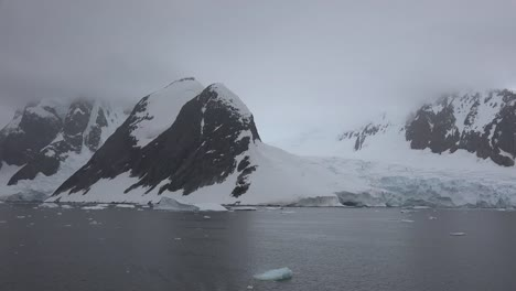 Antarctica-Lemaire-Channel-Glacier-Reaches-Sea