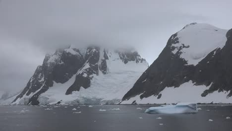 Antarctica-Lemaire-Channel-Time-Lapse