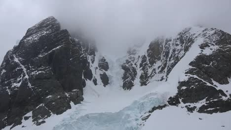 Antarctica-Lemaire-Tilt-Up-To-Cirque