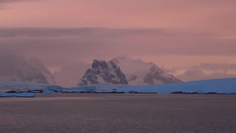 Antarctica-Distant-Mountain-Late-In-Evening
