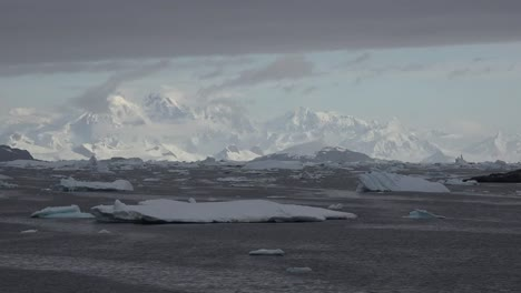 Antarctica-Distant-White-Mountains