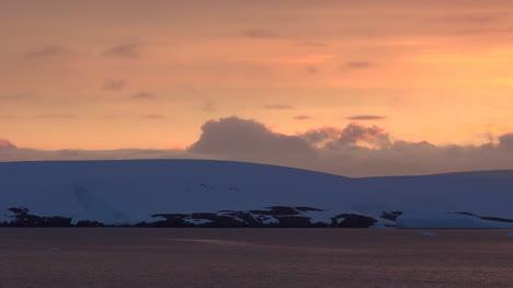 El-Hielo-De-La-Antártida-En-El-Crepúsculo-Se-Aleja