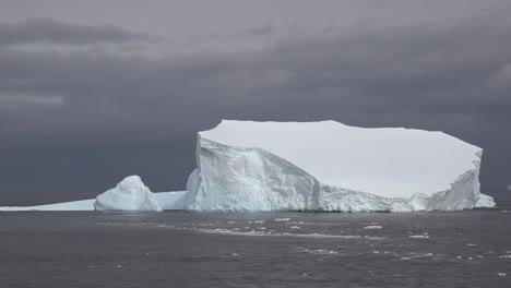 Antarctica-Iceberg-Floating