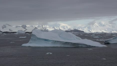 Antarctica-Icebergs-And-White-Mountains