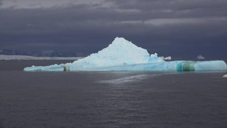 Antarctica-Pyramid-Shaped-Iceberg