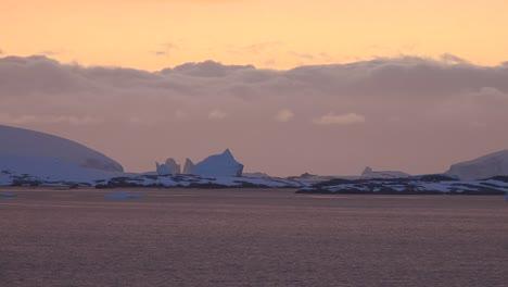 Antarctica-Sailing-After-Sunset