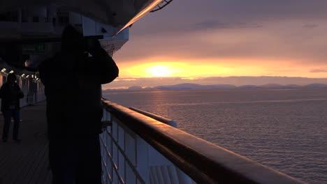 Antarctica-Sunset-From-Ship