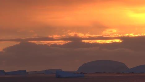 Antarctica-Sunset-Pan