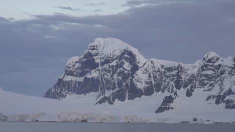 La-Antártida-Se-Acerca-Desde-El-Pico