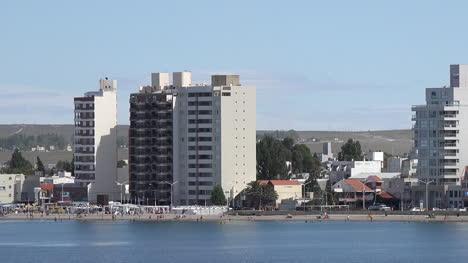Argentina-Puerto-Madryn-Skyline-Pans